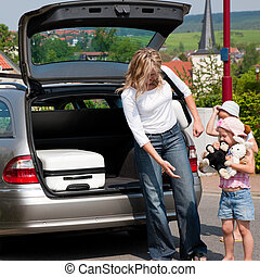 Family travelling by car - Familie verreist in die Ferien...