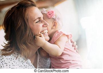 family., umarmen, heiter, mutter, baby, küssende , glücklich