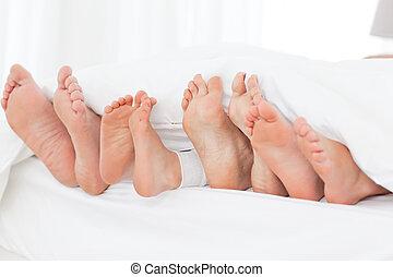 family's, fötter, säng
