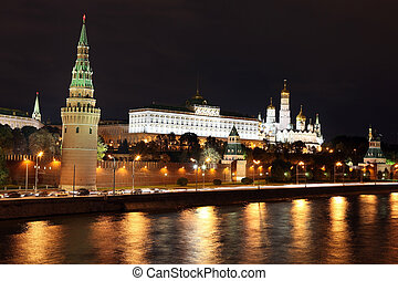 famoso, e, bello, notte, vista, di, moskva, fiume, e, mosca, cremlino, palazzo, e, chiese, in, il, estate, russia