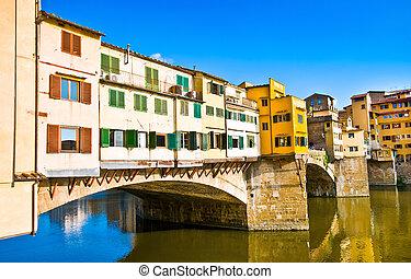 famoso, ponte vecchio, con, río arno, en, ocaso, en, florencia