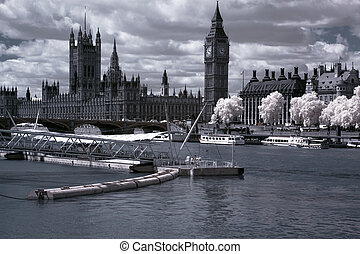 Famous and Beautiful view to Big Ben and the Houses of Parliament in London