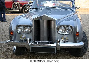 Famous grille design - World famous grille design. Rolls...