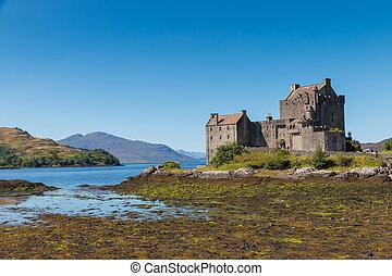 Eilean Donan Castle - Famous medieval Eilean Donan Castle in...