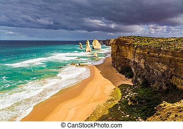 Morning light - Famous rocks Twelve Apostles in ocean waves ...
