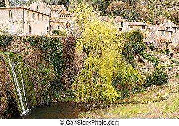 Saint Guilhem le Desert village