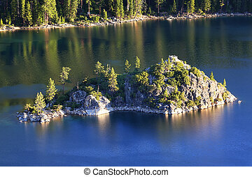 Fannette Island in Emerald Bay, Lake Tahoe, California, USA