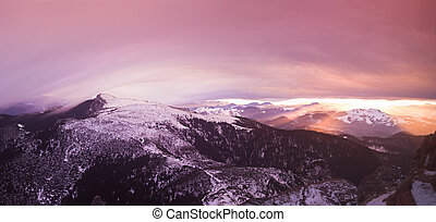 fantasia, tramonto, in, rumeno, carpathians