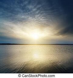 fantasia, tramonto, sopra, fiume