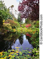 Butchart Gardens on Vancouver Island - Fantastic floral ...