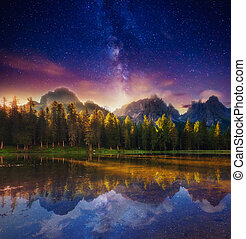 Fantastic milky way - Lago Di Antorno in Natural park Tre...
