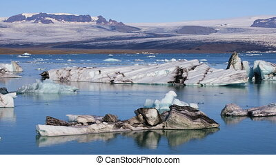 Fantastic view of glacial lake Jokulsarlon, Iceland -...