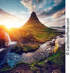 fantastico, sera, con, kirkjufell, volcano., posizione,...