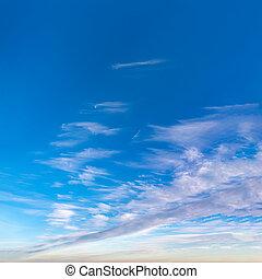 fantastique, contre, nuages, ciel bleu