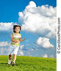 fantastique, pré, scène nature, enfants courant, vert, carefreely, jouer, heureux
