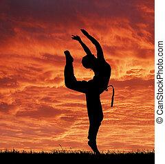 fantastisch, hemel, tegen, meisje, sportende, rood, acrobatisch