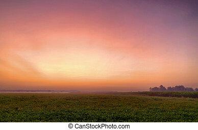 farbenfreudiger sonnenaufgang, glühen