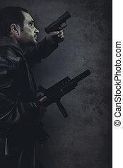 farlig, man, beväpnat, med, a, pistol, och, kulspruta