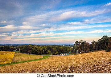 Farm fields in rural Lancaster, Pennsylvania. - Farm fields...