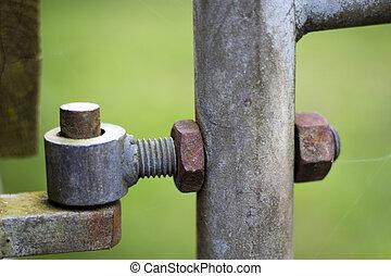 Farm gate pivot hinge