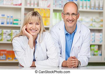 farmacisti, contatore, sporgente, farmacia