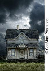 farmhouse, antigas, céu tempestuoso