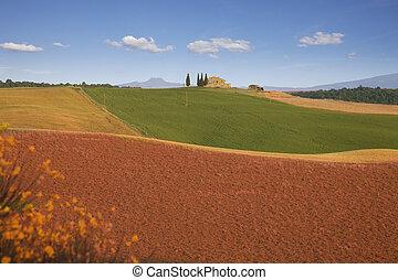 Farmhouse in suburbs of Pienza, Tuscany