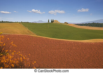 Farmhouse in suburbs of Pienza, Tuscany
