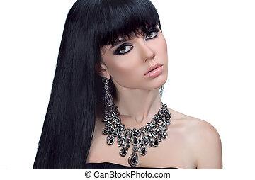 fascino, ritratto, di, bello, brunetta, donna, con, sano, lungo, hair., moda, e, gioielleria