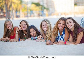 fashion beach girls