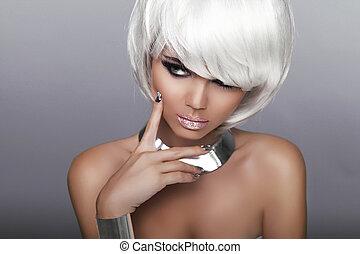 Fashion Blond Girl. Beauty Portrait Woman. White Short Hair....