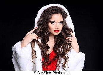 Fashion elegant brunette girl portrait