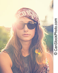 Fashion lifestyle portrait of beautiful young woman -...