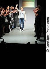 fashion show designer