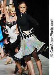 fashion show woman walk