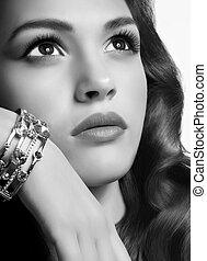 woman with jewelry precious - Fashion woman with jewelry...