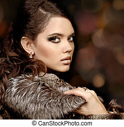 Fashion Woman with make up. Luxury Style
