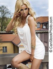 fashionabel, blondin, skönhet, posing.