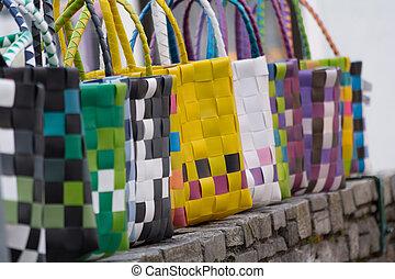fashionable handbags - farbige und modische Einkaufstaschen