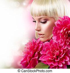 fason, blond, dziewczyna, z, cielna, różowe kwiecie