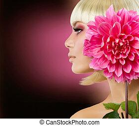 fason, blondynka, kobieta, z, dalia, kwiat