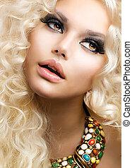 fason, dziewczyna, z, zdrowy, długi, kędzierzawy, hair., piękno, blondynka, kobieta