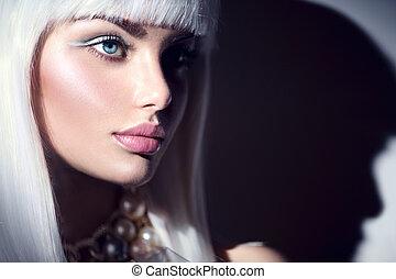 fason modelują, dziewczyna, portrait., piękno, kobieta, z, biel, i, zima, styl, makijaż