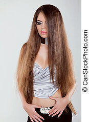 fason modelują, dziewczyna, z, długi, zdrowy, włosy, przedstawianie, na, studio