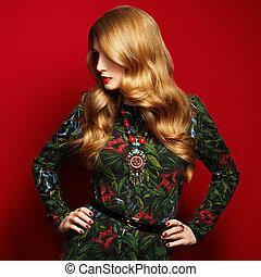 fason, portret, od, elegancki, kobieta, z, wspaniały, włosy