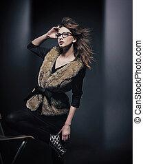fason, styl, fotografia, od, młody, brunetka, przy okularach