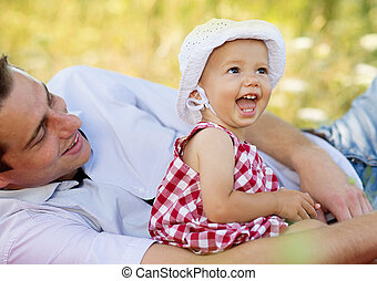 Father and daughter - Happy young father spending time ...