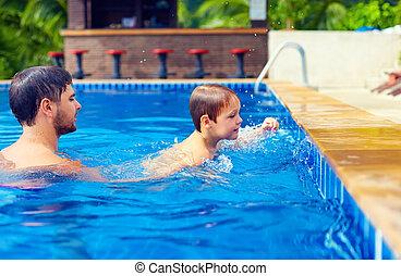 chicks-at-the-pool-asian-girl-on-girl-pics