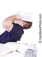 fatigué, étudiant université, à, livres, table, étudier