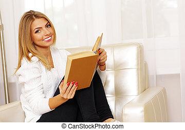 fauteuil, femme, jeune, livre, lecture